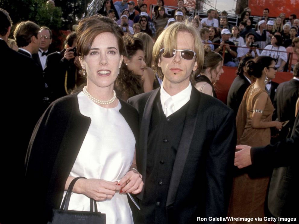 David Spade donates $100,000 to mental health organization following sister-in-laws Kate Spades death. abcn.ws/2JCsVd7