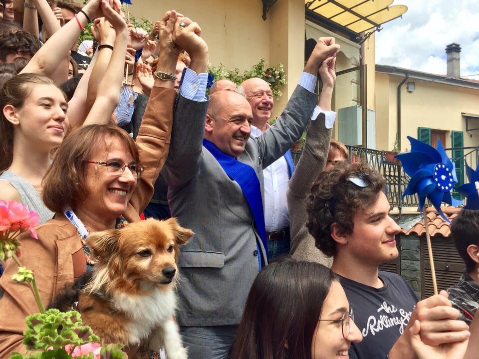 EDIC-La Spezia allo stage di formazione europea organizzato a #VareseLigure da #Aiccre Liguria e #MFE:hanno partecipato 24 ragazzi provenienti da #Savona #Genova #LaSpezia e #Sarzana.Sono intervenuti: Giorgio Cozzani,presidente @ProvinciaSP e Loris Figoli,consigliere @ProvinciaSP  - Ukustom