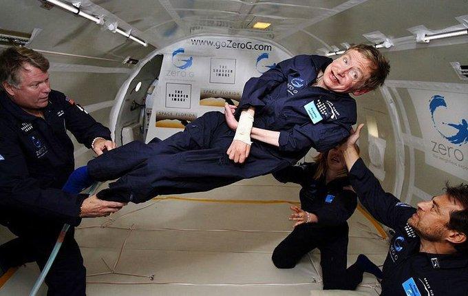 La voz de Stephen Hawking se enviará al agujero negro más cercano en un mensaje especial como homenaje póstumo 写真