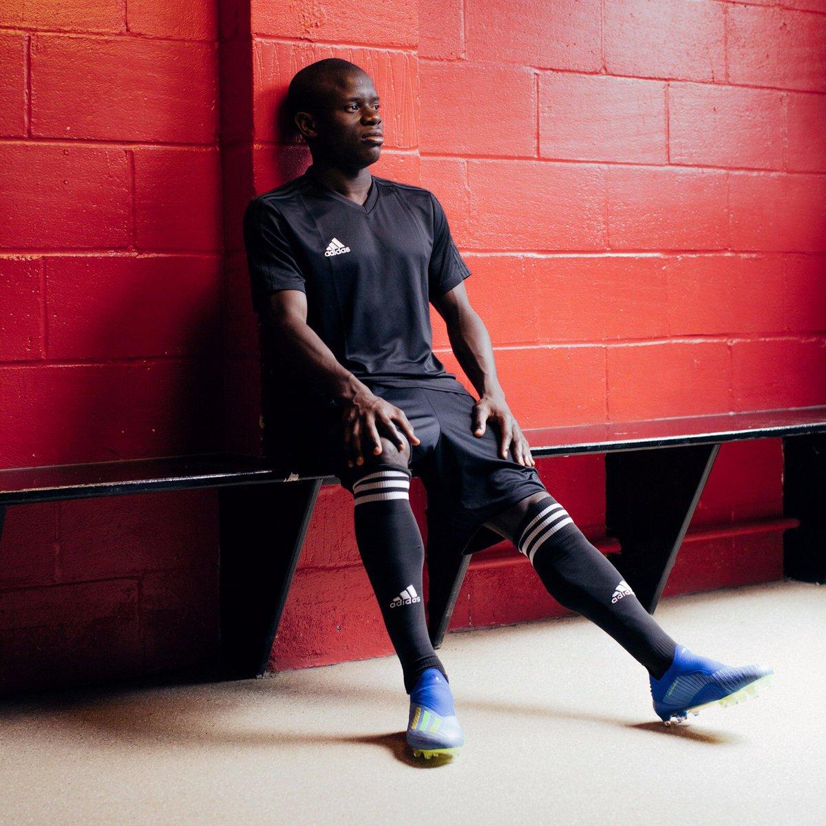 Demain c'est le grand jour pour nous tous. Concentré et prêt à porter haut nos couleurs. 🇫🇷 #X18 @adidasfootball @adidasparis #HereToCreate