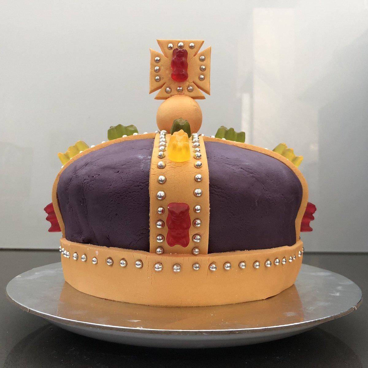 Enjoyable Layton Duncan On Twitter So I Made A Birthday Cake Its Quite Personalised Birthday Cards Akebfashionlily Jamesorg