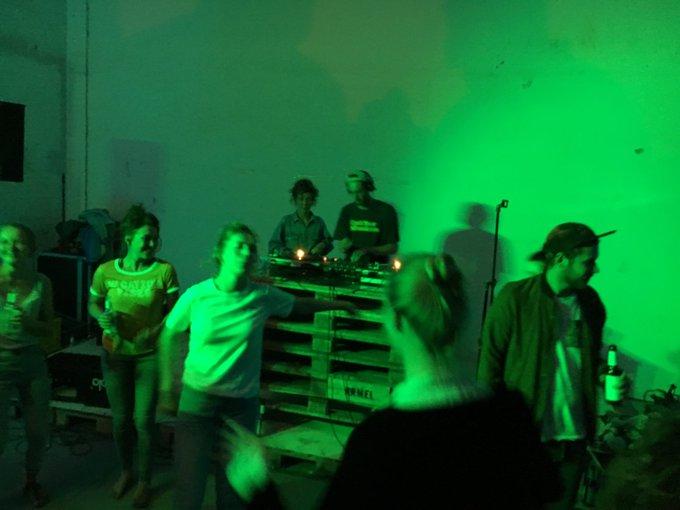Grüne Welle gestern Nacht für Plattenteller-Prinzessin #$pinderella. Sensationelles Set beim #Waterkant18 Foto