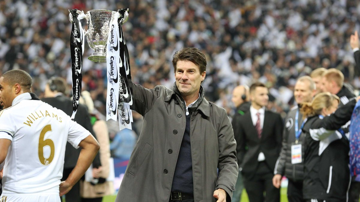📅 #OnThisDay in 2012... Michael Laudrup became the manager of Swansea City. 🏆