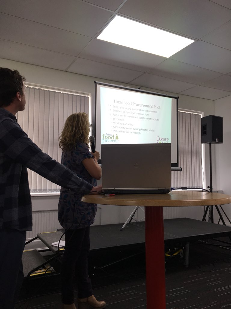 @FoodHull interesting presentation from #TheLarder based around grass-roots local food procurement