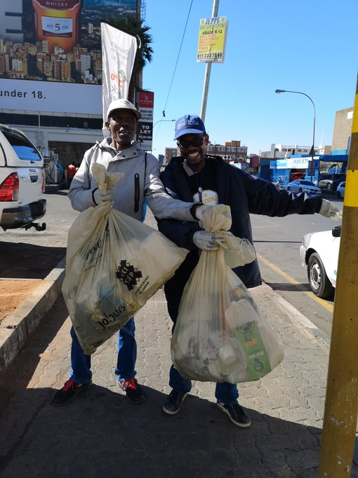 #AreSebetseng #AreSebetsengJWStaff Their smiles say it all; they are happy to clean up. ^NN Photo