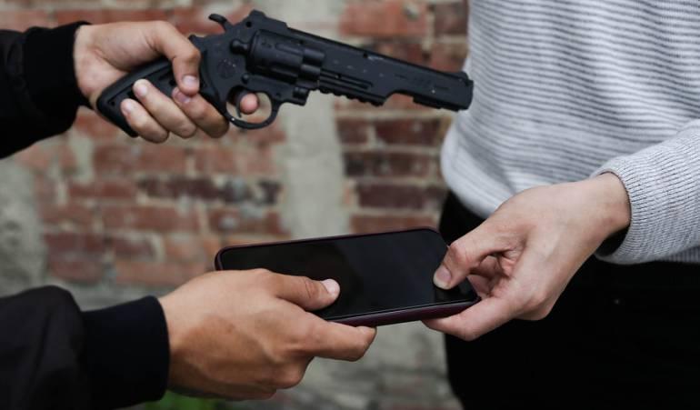 #6AM   Nueve veces ha quedado libre hombre que roba celulares en Bogotá  ---> #CaracolEsMás https://t.co/IkbRnxZ63E
