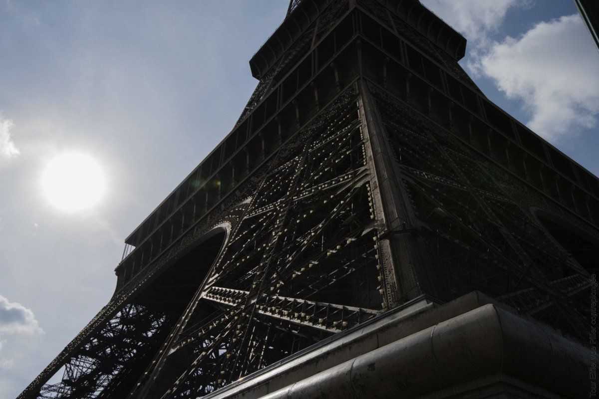🇬🇧 Save time on the day of your visit at the Eiffel Tower, buy your e-tickets on our website now: https://t.co/fIVfqCOZoL - Tickets available until August 17 for now. #EiffelTower #Paris