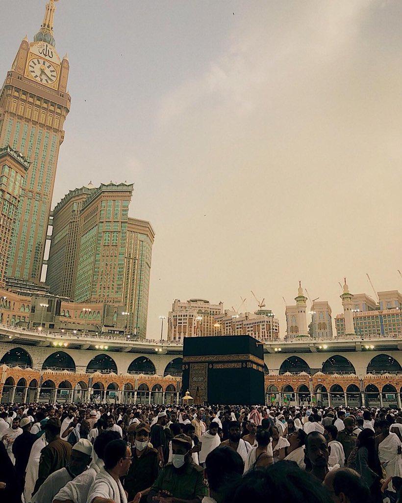 Eid Mubarak all, I hope everyone gets to spend this joyous day with family and loved ones. #saudi #makkahalmukarramah #makkah #eid2018 #eidmubarak #kaabah #kaabah<br>http://pic.twitter.com/rrBEGfYJtA
