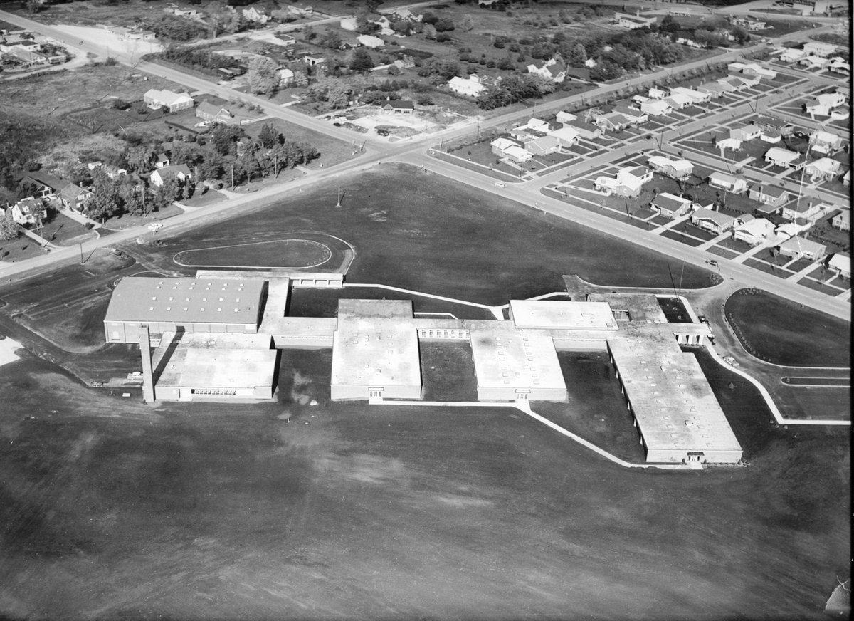 #FlashbackFriday Here\u0027s an aerial view of Marian Catholic shortly after we opened our doors in 1958. We\u0027ve made a few slight changes in the last 60 years ... & Marian Catholic (@Marian_Catholic) | Twitter