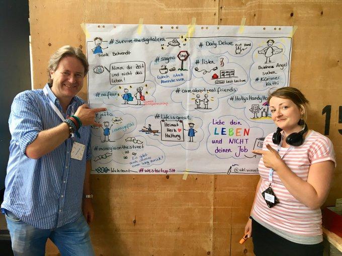 Whow! Ann-Kristin hat die Key-Facts meines #waterkant18 Vortrags während ich sprach live aufs Plakat gebracht. Hammer👍🚀🏆@waterkant_sh Foto