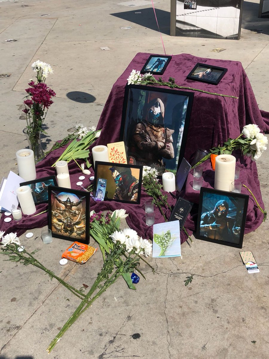 WHO DID THIS. The Cayde memorial outside E3. 😢