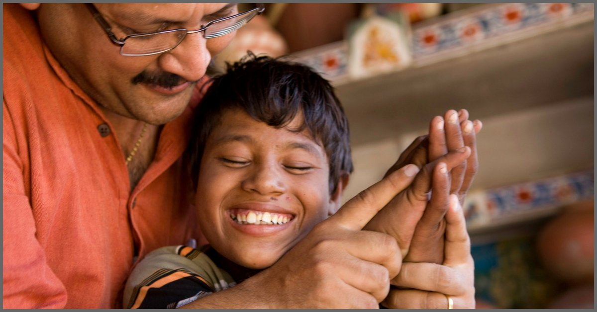 thebetterindia.com/145157/ahmedab… Think Being Deaf-Blind Hinders Learning? Ahmedabad-NGO Will Prove You Wrong!