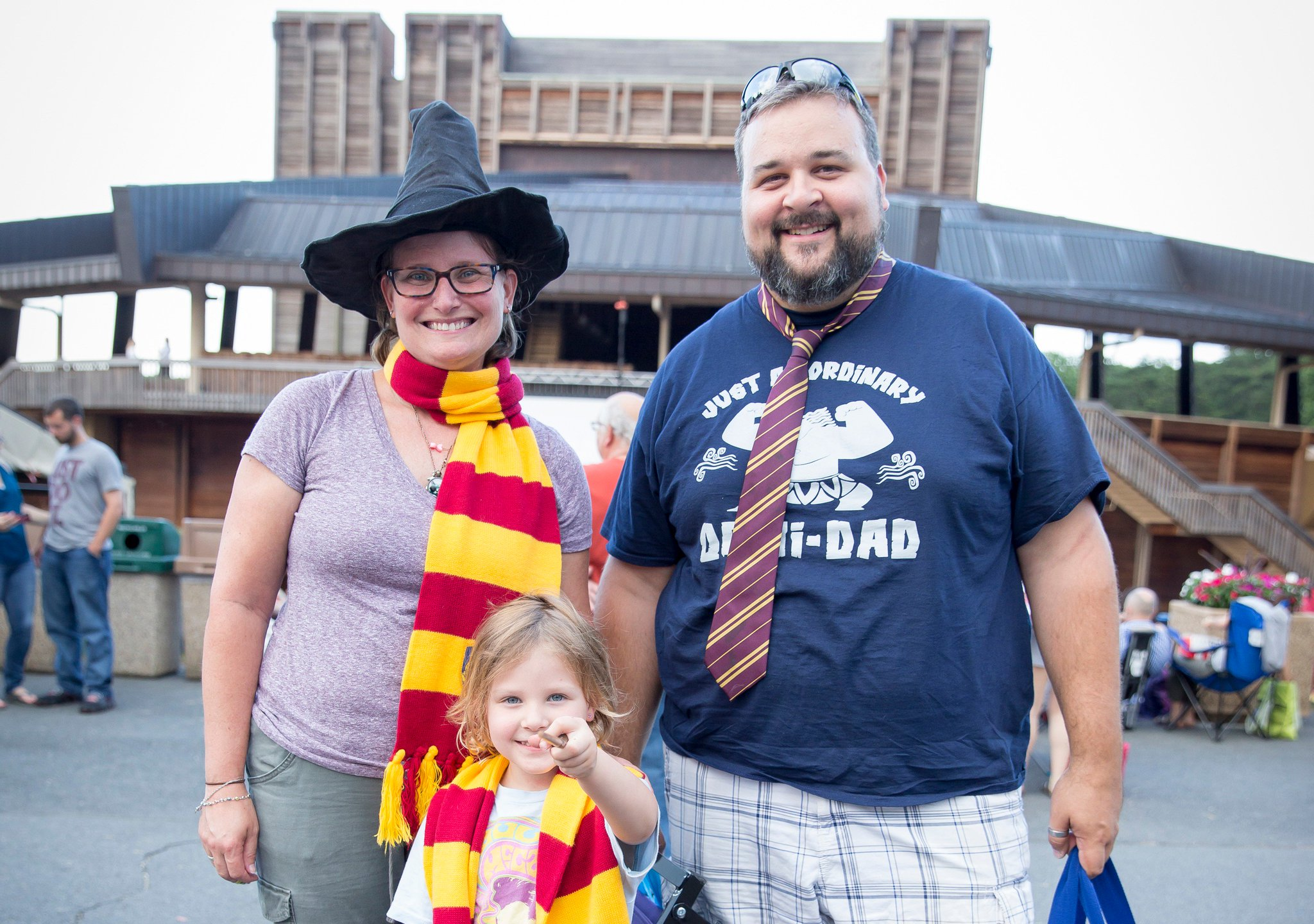 Reloaded twaddle – RT @Wolf_Trap: Skip the tie for #FathersDay and take Dad to #WolfTrap instead! R...
