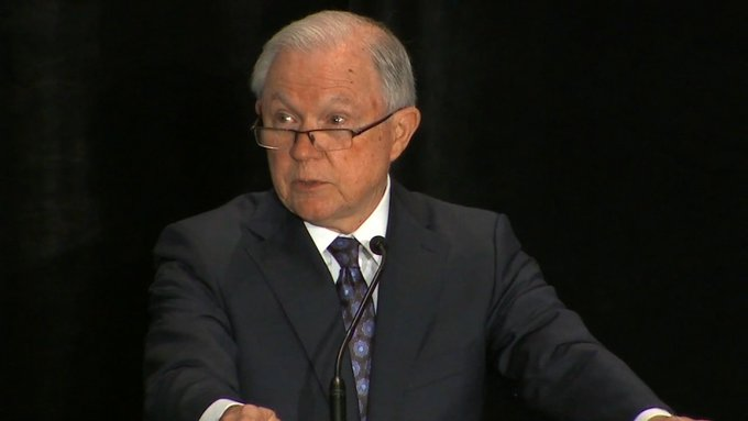 Sessions cites Bible to defend separating immigrant families Photo