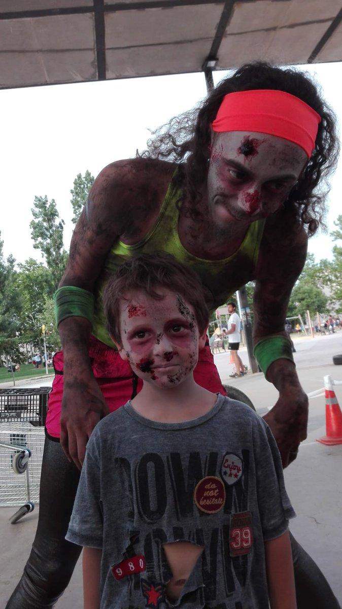 Primers zombies!!! Anima&#39;t i vine al parc Ramon Barnils @STCFantastic @OhFICINA_JOVE @esportsstc #STCCiutatEuropeaEsport18<br>http://pic.twitter.com/nLi2Zz0XaV