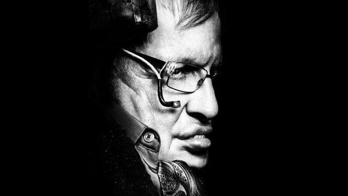 Voz de Stephen Hawking será transmitida em um buraco negro comohomenagem 写真