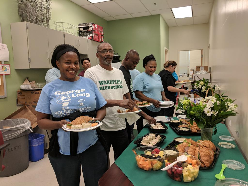 Thank you to our Wakefield custodial staff who work hard for our families all year! We appreciate you! <a target='_blank' href='http://twitter.com/WHSHappenings'>@WHSHappenings</a> <a target='_blank' href='http://twitter.com/APSFacilities'>@APSFacilities</a> <a target='_blank' href='https://t.co/eAfpVAj9BT'>https://t.co/eAfpVAj9BT</a>