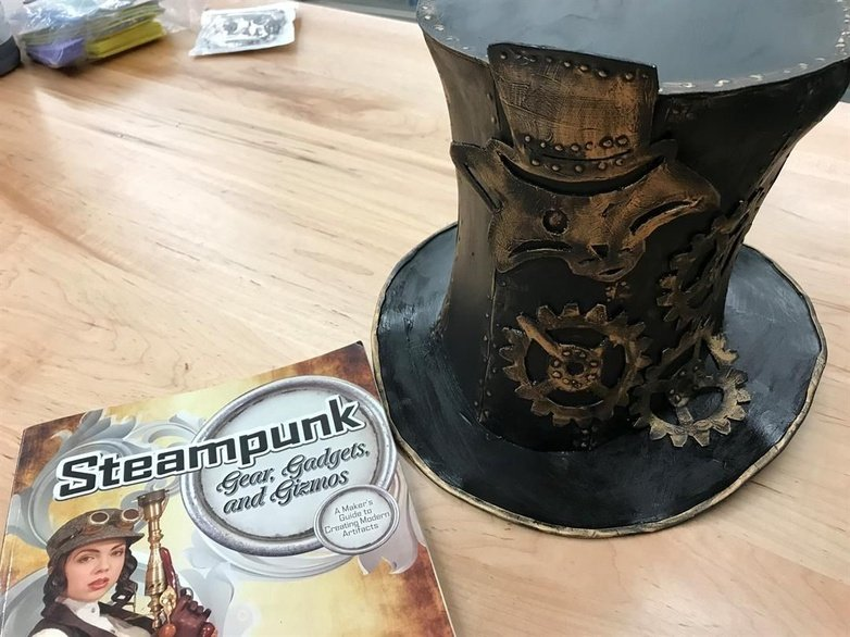 Teens create a #Steampunk world at the South Central Regional Library https://t.co/ElsoJKpWTx