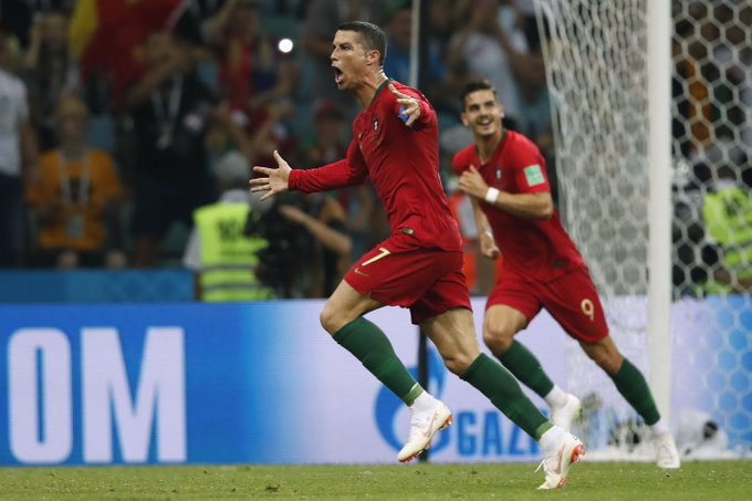 Hat-trick number 5⃣1⃣ in the career of Cristiano Ronaldo. 👏👏👏 Another record too - he is now the oldest player every to score three times in a World Cup match. 👏👏👏 #UCL Foto