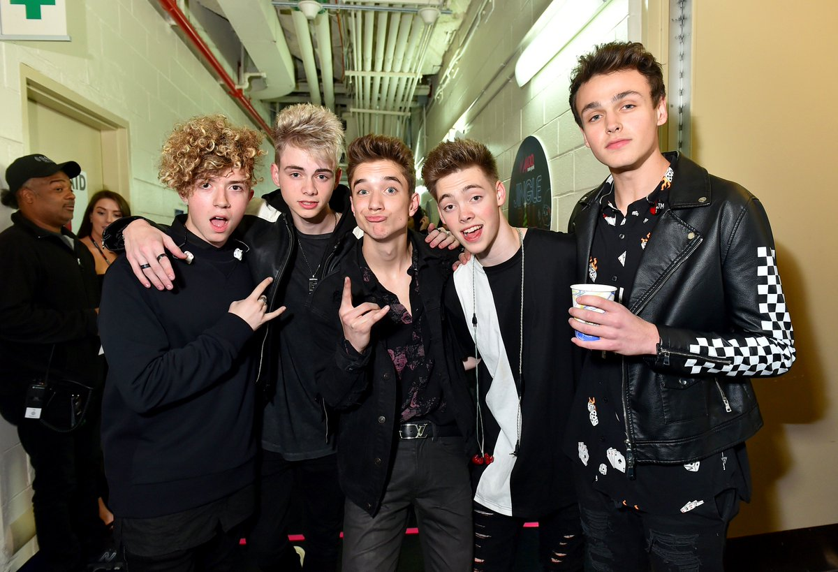 Anyone else been playing the #HookedVideo by @whydontwemusic on repeat all week?! <br>http://pic.twitter.com/SYNo0SJkUz