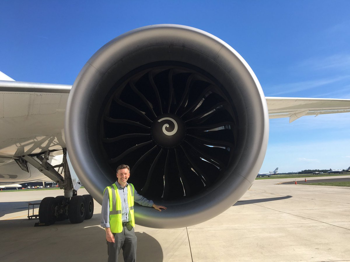 Takes a big engine to get a Boeing 787 off the ground. Takes a really talented @united team at #IAD to get them off the ground on time.