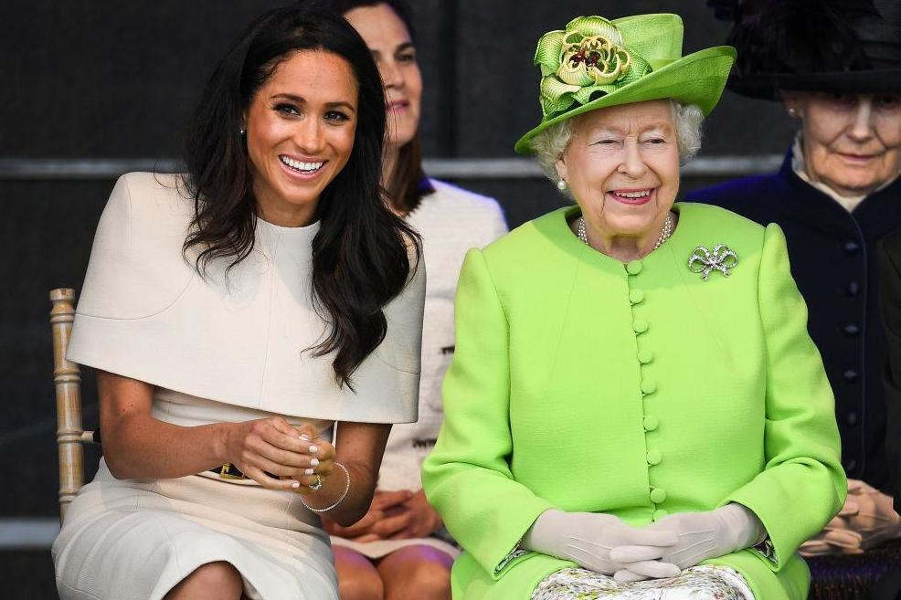This is why Meghan Markle wears specific clothing around the Queen https://t.co/50FJBg9a4D https://t.co/FzCxkF16zC