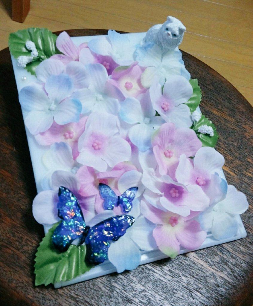 test ツイッターメディア - 百均の造花とグルーガンで 初のDIYしてみた。 蝶々はレジンでつくった。 思ったよりも上手出来て良かったです(*^^*)  #ダイソー  #キャンドゥ #DIY https://t.co/MNvwZBQnma