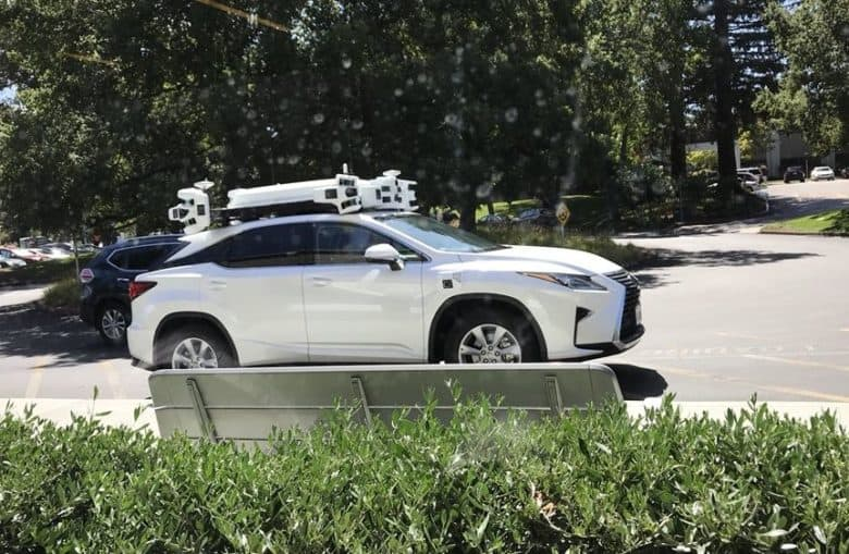 ICYMI: Apple lures away senior self-driving car engineer from Google's Waymo https://t.co/RpAj3Zf4Sn by @EdFromFreelance