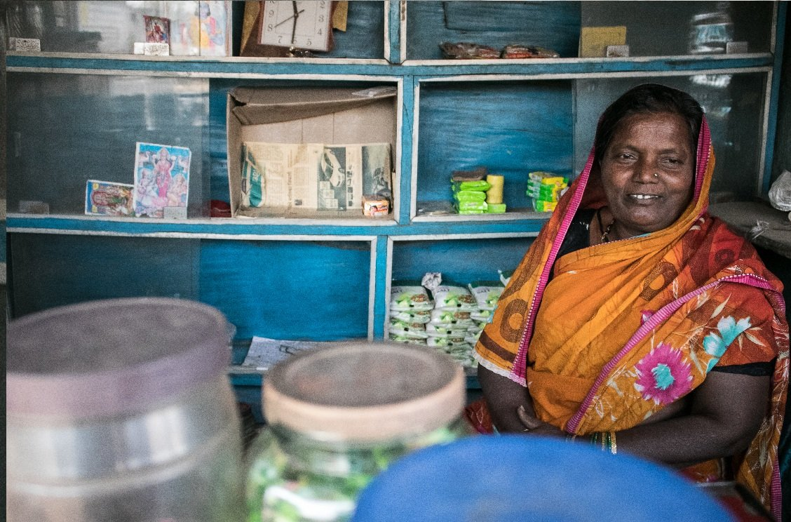 I just read inspirational story of Lata Jadhav from Tilwani in Maharashtra's Kolhapur district. Despite a life full of hardships, today she is the 1st woman in her village to run a grocery store without male interference. @thebetterindia #WomanEmpowerment thebetterindia.com/142988/shop-in…