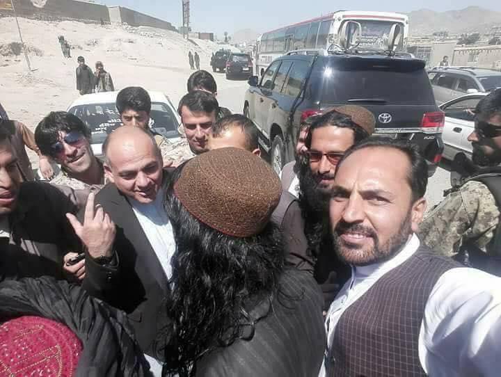 «طالبان» توافق على وقف إطلاق النار خلال عيد الفطر للمرة الأولى منذ 17 عاماً Dfzjq1PUYAEyhkt