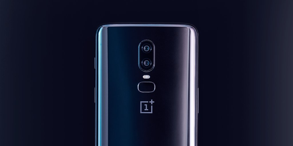 The #OnePlus6 Mirror Black is beautiful. Get yours.  http:// onepl.us/uk_op6tw  &nbsp;  <br>http://pic.twitter.com/zN7UUEzwIp