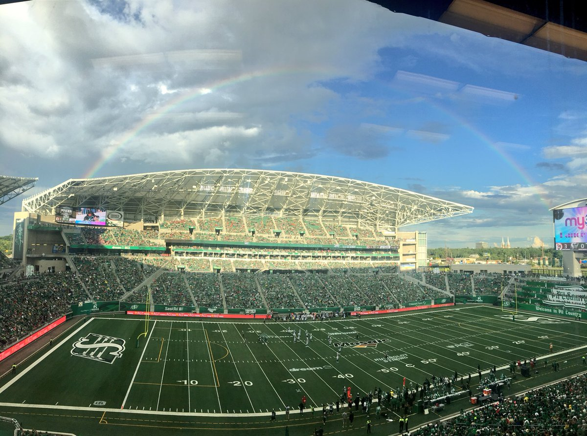 A rainbow over Mosaic Stadium. How appropriate. #HumboldtStrong #Riders