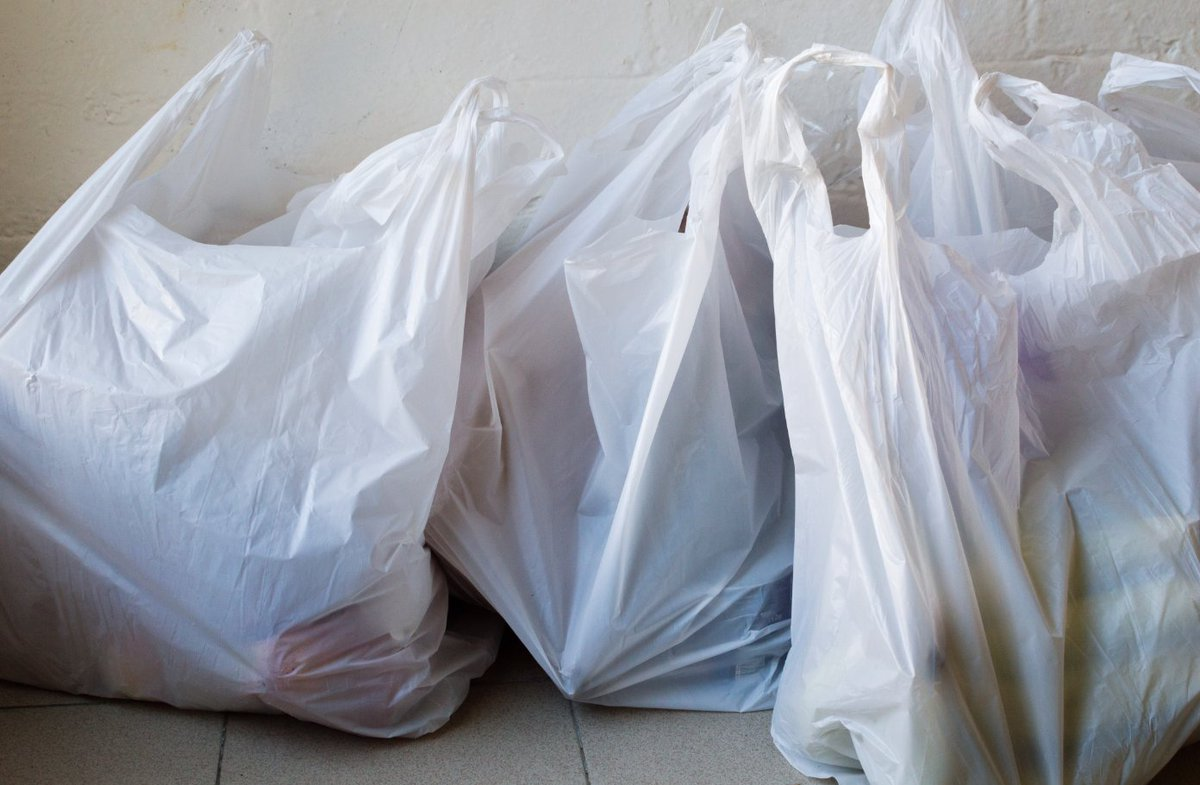 a4b2a81aa1 #9News https://www.9news.com.au/national/2018/06/29/10/11/woolworths-plastic -bag-ban-backflip-free-reusable-bags?ocid=Social-9News …pic.twitter.com/ ...