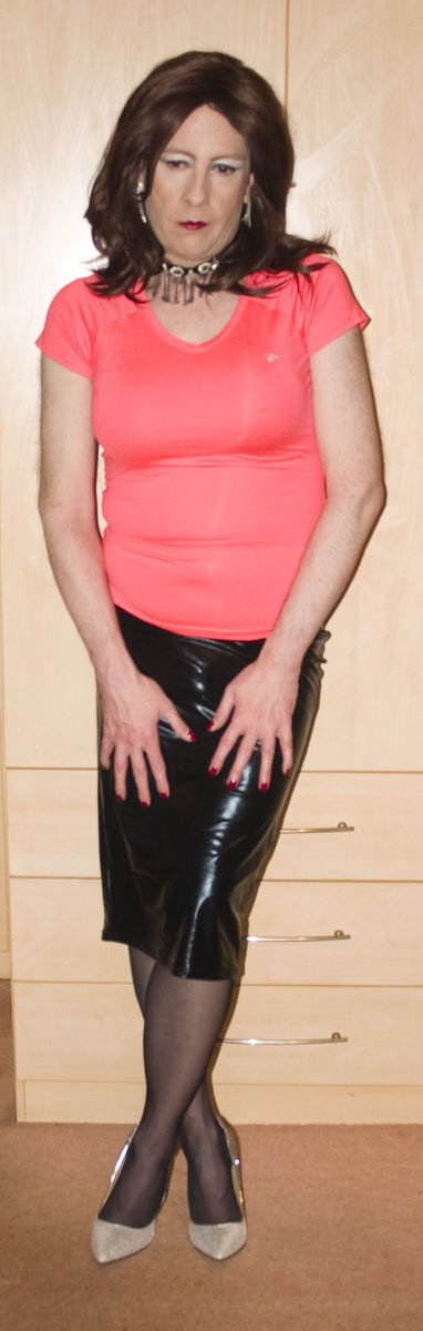 e7974976223 Tight neon Lycra top and a choice of tight skirts from 2016 for   FlashBackFriday  SexySam  TGirl  PVC  MiniSkirt  HobbleSkirt  pic.twitter.com jsrpD9T7OI
