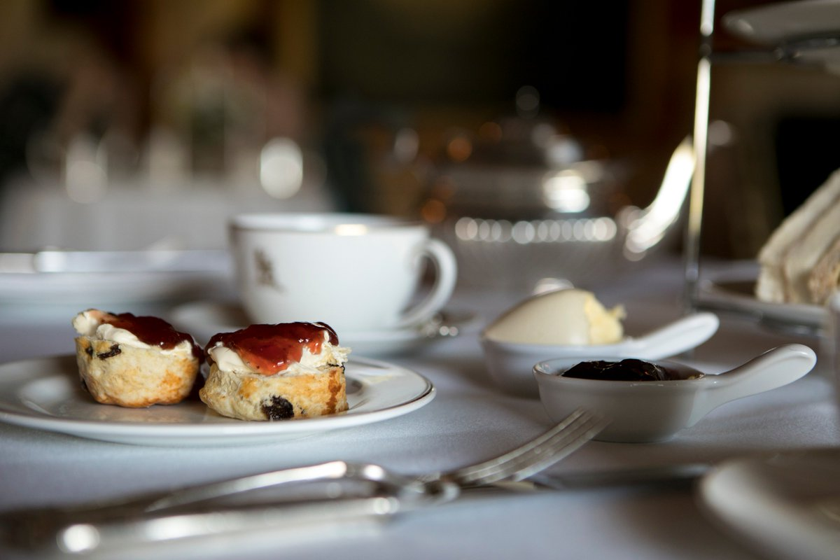 Happy #NationalCreamTeaDay! Are you a cream then jam, or a jam first person? https://t.co/cUDpDcdOSt