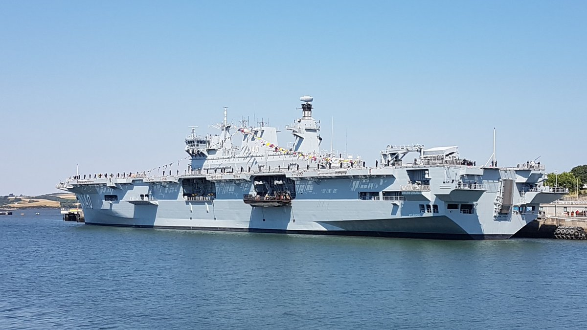 حاملة المروحيات البريطانية HMS Ocean Dg34HX6W4AIGnO2