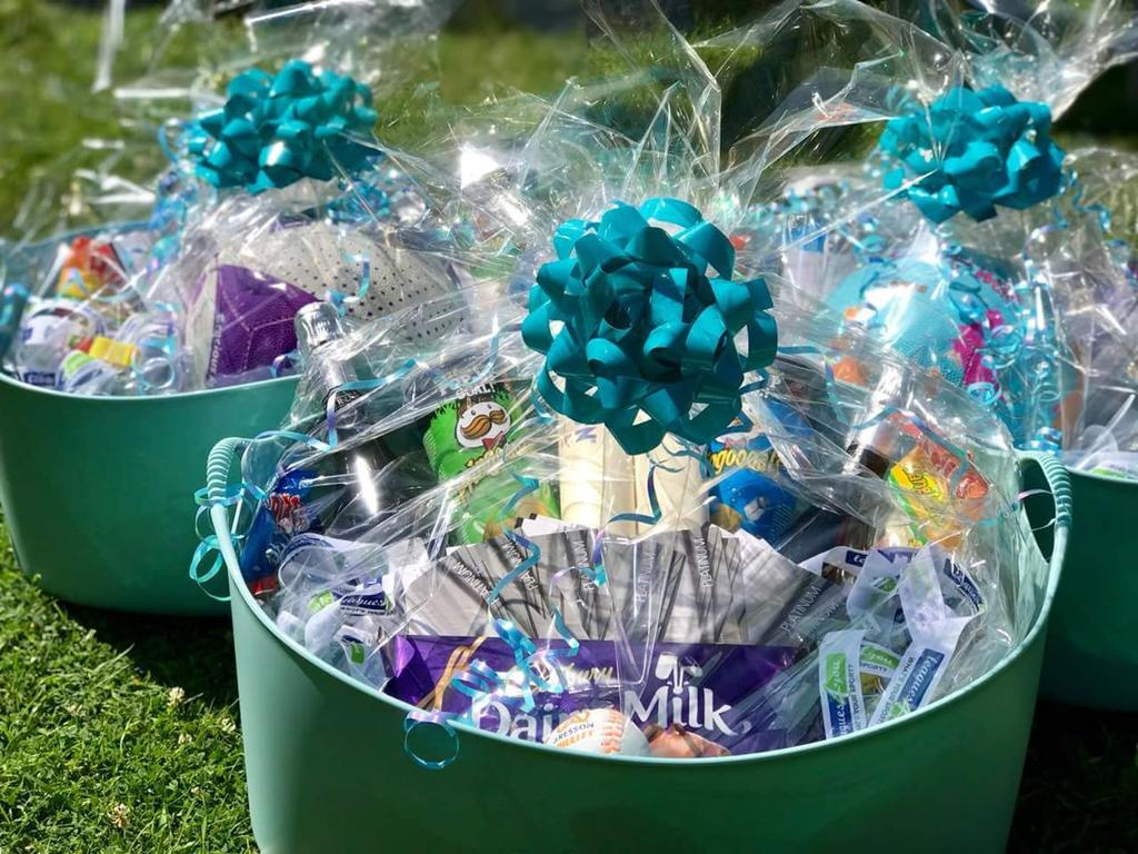 PRIZE ANNOUNCEMENT🥇🙌🌞  Only 2 sleeps left until #L4YST 2018!!   The winning team from each tournament will receive medals and a prize bundle:   - @themalvernspa Day Passes 🧖🏽♀️ - Prosecco 🍾 - Sweets and Treats 🍬🍫 - L4Y Merch 💙💚 - Netball / Rounders Bats & Ball 🏐⚾️