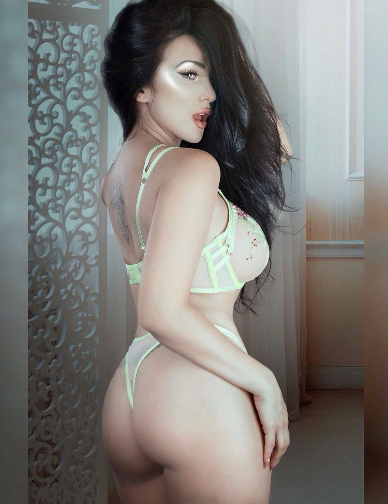 Tara May  - Another pic twitter @xXxTaraMayxXx