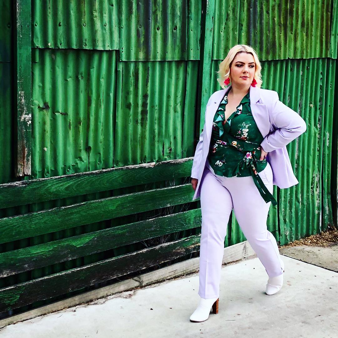 @willowcurves looking like a straight up #GirlBoss in this #SimplyBeUSA suit! 🙌🙌🙌 Shop the look 🔎 Jacket: OX088, Pants: WZ523 https://t.co/XlPm7gdOIG