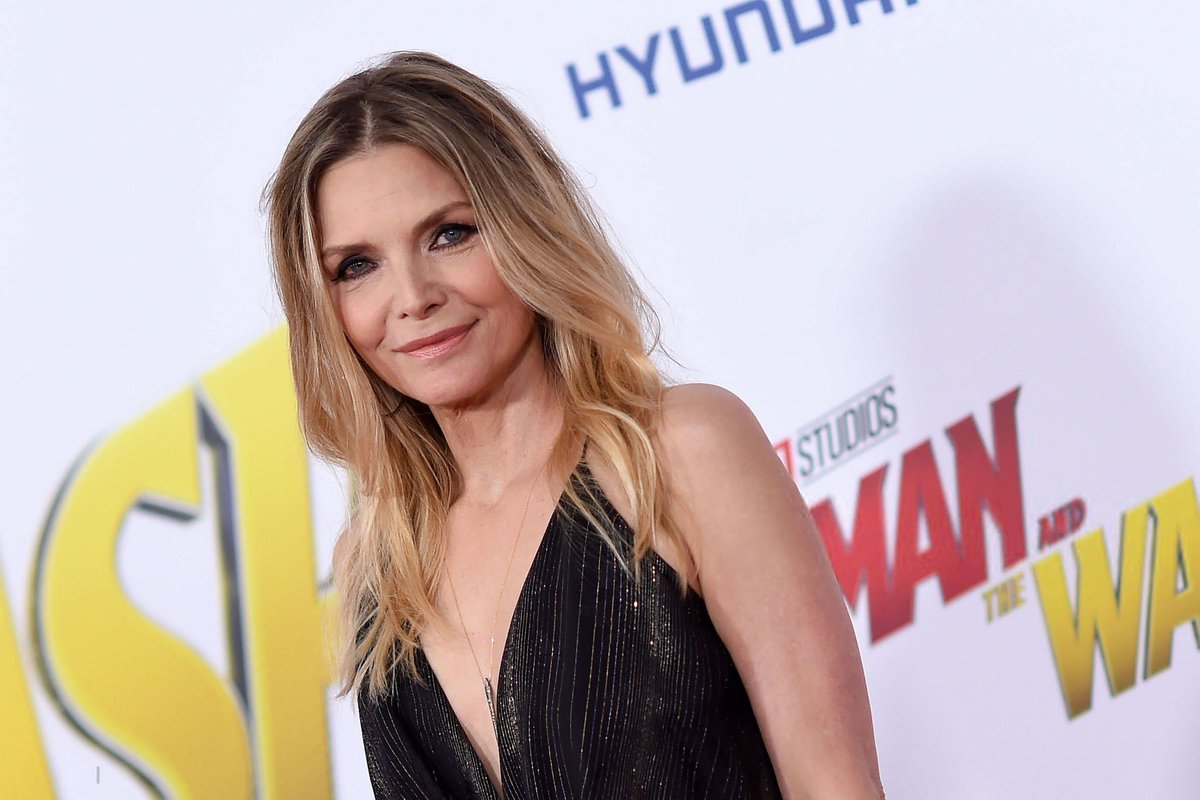 Twitter Michelle Pfeiffer naked (56 photos), Pussy, Leaked, Twitter, braless 2015