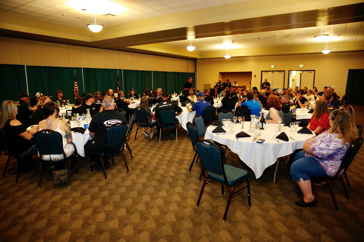 Kickoff dinner for the weekend featuring the @clintnewellauto @ToyotaRacing 150 presented by @NAPAKnowHow - #KNWest in Roseburg