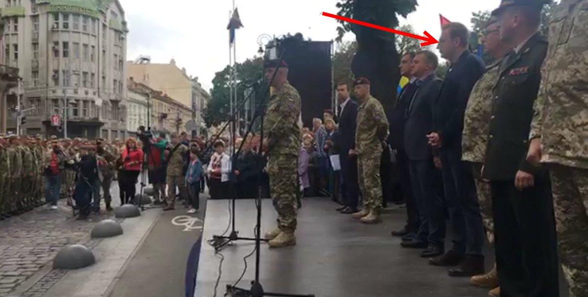 Десантники 80-ї ОДШБ урочисто пройшлися вулицями Львова після повернення з Донбасу - Цензор.НЕТ 6010