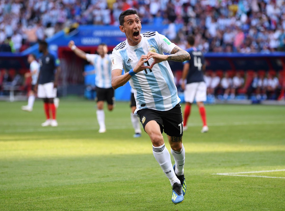 GOAL! #FRA 1 - 1 #ARG: Di María squares the game up with one of the best goals of the #WorldCup so far. Receiving the ball thirty yards out, with time and space, he took a touch out of his feet and fired a rocket into the top right-hand corner of the net. YOU DO NOT STOP THOSE!