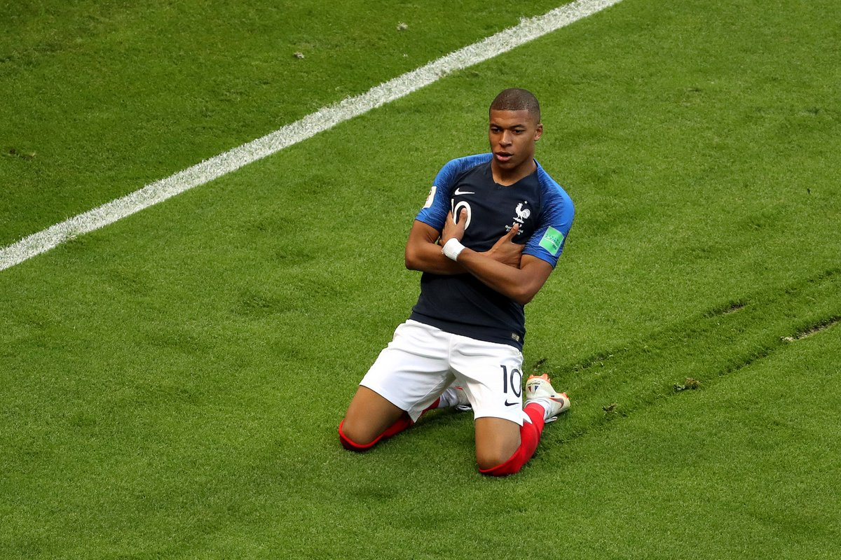 2 - Kylian Mbappe is the first teenager to score at least twice in a World Cup match since Pele vs Sweden in 1958. Boss. #FRA #ARG #FRAARGA#WorldCupRG