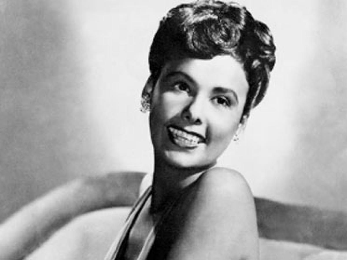 essay on lena horne Lena horne was born in brooklyn, new york, on june 30, 1917 her father, edwin teddy horne, who worked in the gambling trade, left the family when lena was three her mother, edna scottron, was the daughter of inventor samuel r scottron she was an actress with an african american theater troupe and traveled extensively.