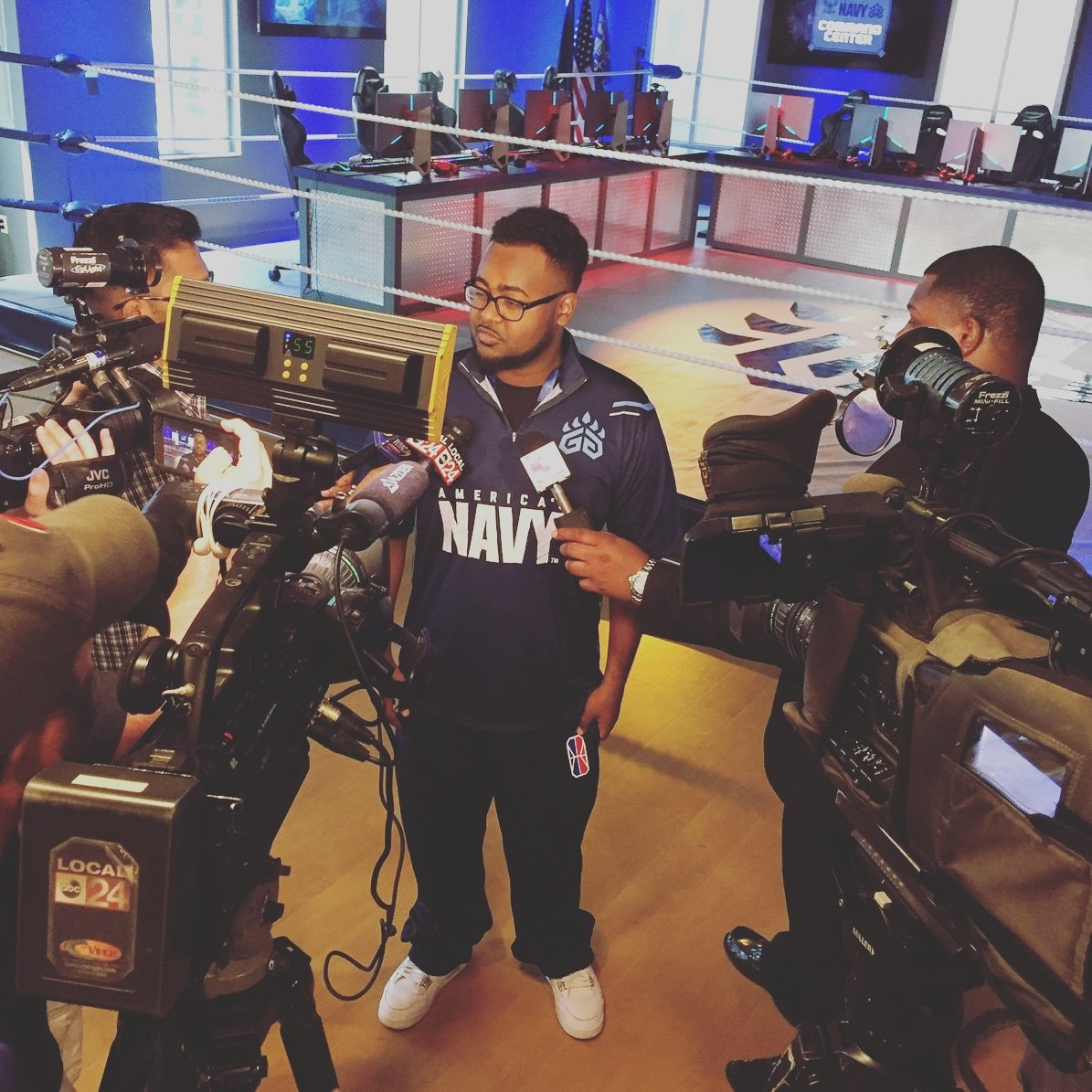 It was crazy to experience this moment right here. Never had so many cameras and reporters around me. Felt like a superstar 😂😂 Im just so blessed right now.