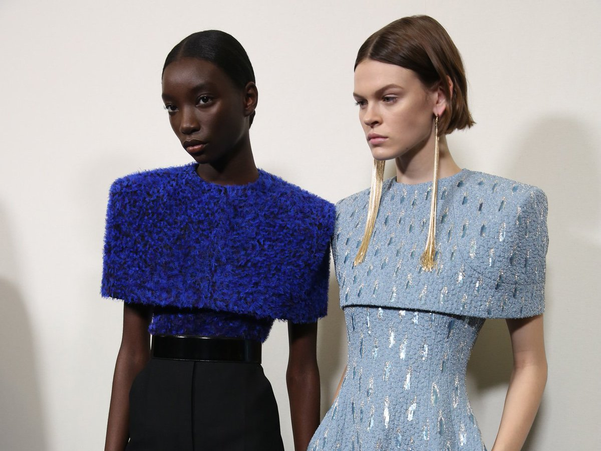 .@givenchy will dedicate its couture show to its late founder, Hubert de Givenchy:  http:// bit.ly/2t6ktbF  &nbsp;  <br>http://pic.twitter.com/DBXIa5hLjY