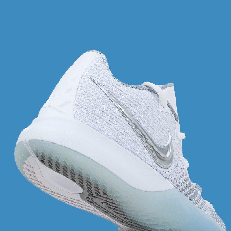 9ba6524926e3 ... https   www.kickscrew.com detail 26658 Nike-Kyrie-Flytrap-EP White- Metallic-Silver AJ1935-100  …  complex  jordandepot  jumpman23  nike   kickscrew ...