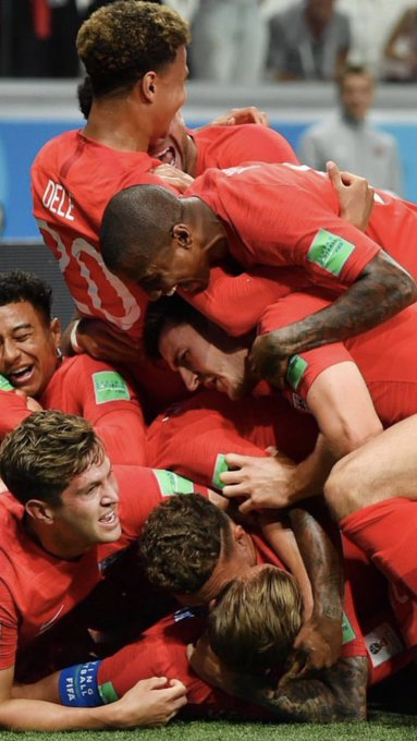 What a picture in added time Harry Kane scores his second goal to win England's first group game! Best time to score so deep into added time made sure there was no comeback for Tunisians! 👍🏿 Photo
