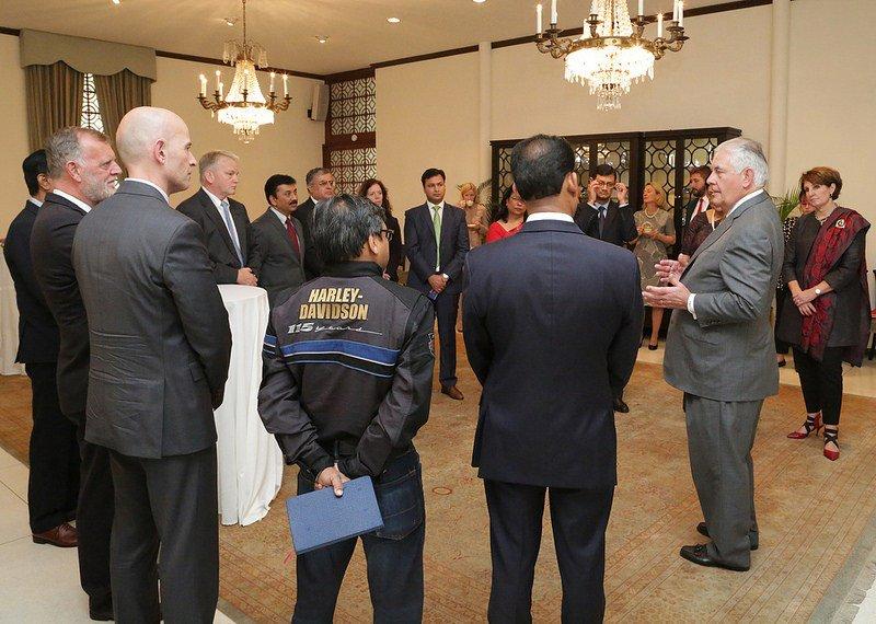 Secretary Tillerson Meets With Business Community Members – DelhiPicture  https:// delhiinformer.com/57295/secretar y-tillerson-meets-with-business-community-members-delhi-picture-2/ &nbsp; … <br>http://pic.twitter.com/7UWWFMuxBK